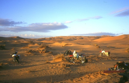 Windy camp just before the 4km day to Oued Samene