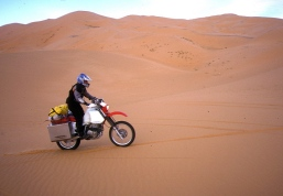 On the Gara Khanfoussa dune crossing - the moment of truth