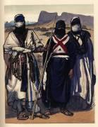 101.-Boye-(a-droit)-fils-de-l'Amenokal-actuel-et-deux-nobles