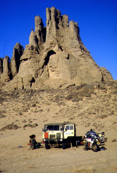 Desert Travels In Paperback Sahara Overland